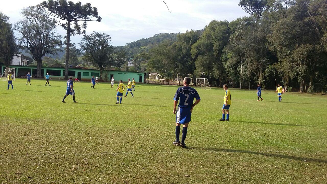A 1ª rodada Circuito Regional de futebol suiço aconteceu no sábado dia 05  de maio de 2018 no campo do Gaúcho. Uma parceria realizada entre Clube  Gaúcho e ... 9cc2f5b250c78